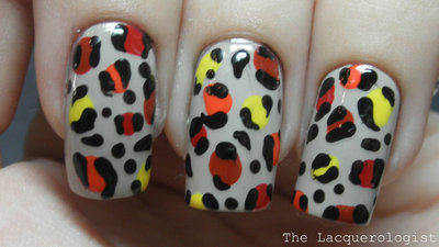 How to paint an animal nail. Leopard Nail Art - Step 5