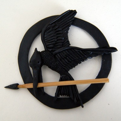How to sculpt a clay character necklace. The Hunger Games   Mocking Jay - Step 13