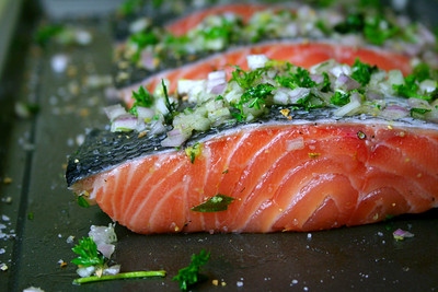 How to cook a salmon dish. Herbed Salmon - Step 3
