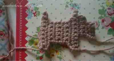 How to sew a fabric animal brooch. Scottie Dog Brooch - Step 2