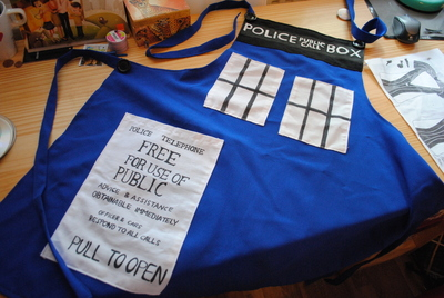 How to make an apron / toolbelt. Tardis Apron - Step 7