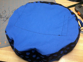 How to make a vinyl record purse. Vinyl Record Bag Step By Step - Step 22