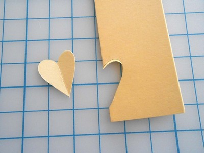 How to make a paper necklace. Chevron Heart Necklace - Step 2