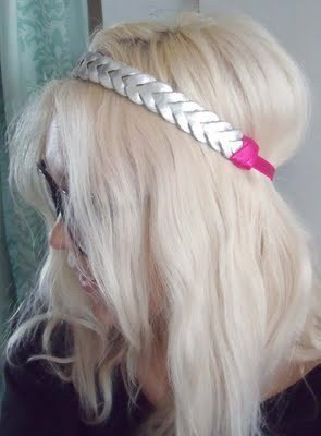 How to make a recycled hair clip. Spring Bling - Step 9