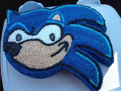 How to decorate a computer game cake. Sonic Cake  - Step 6