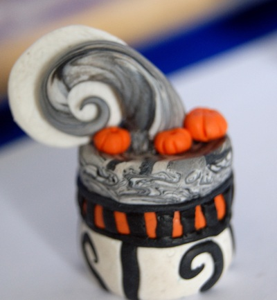 How to sculpt a clay cake. Nightmare Before Christmas Inspired Charm/Pendant - Step 8
