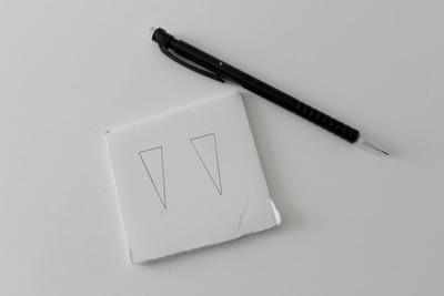 How to make a set of paper earrings. Diy: Metallic Spike Earrings - Step 1