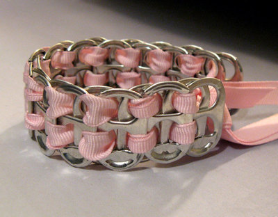 How to make a pop tab bracelet. Bracelets From Soda Can Tabs - Step 6