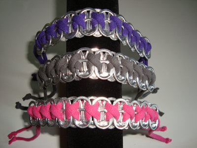 How to make a pop tab bracelet. Bracelets From Soda Can Tabs - Step 10