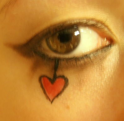 How to create an animal print eye makeup look. Emilie Autumn Makeup - Step 4