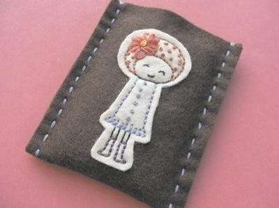 How to stitch an applique pouch. Gizmo Cozy - Step 11