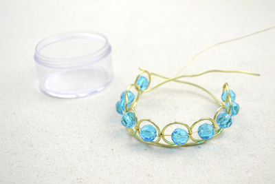 How to make a wire bracelet. Wire Bracelets Diy A Personalized Jewelry For Mothers  - Step 5
