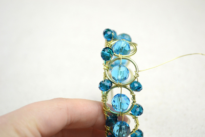 How to make a wire bracelet. Wire Bracelets Diy A Personalized Jewelry For Mothers  - Step 8