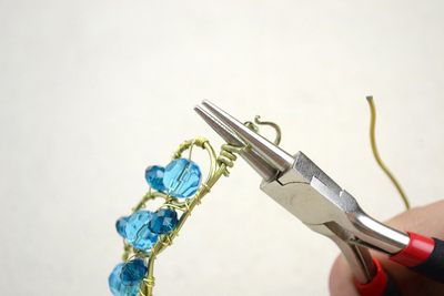 How to make a wire bracelet. Wire Bracelets Diy A Personalized Jewelry For Mothers  - Step 10
