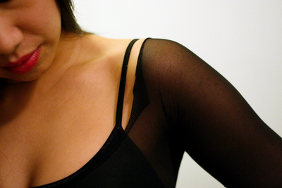 How to make a recycled top. Diy Sheer (Pantyhose) Top - Step 6