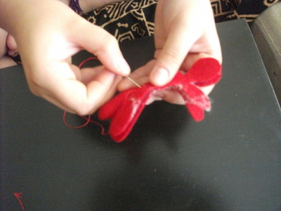 How to make a gingerbread man plushie. Gingerbread Man - Step 2