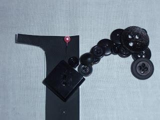How to make a piece of button art. Button Monogram Art - Step 6
