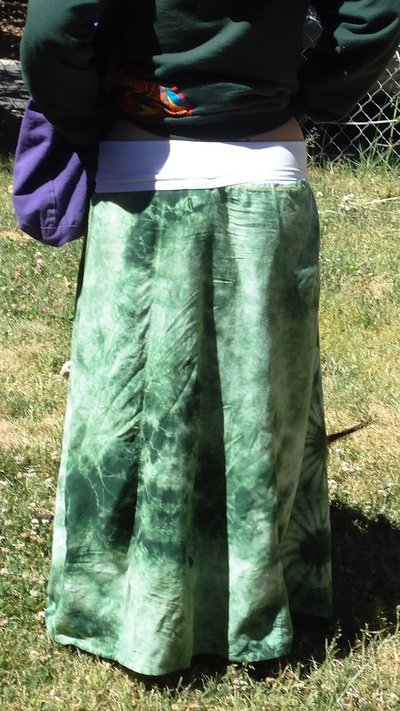 How to recycle a dress into a skirt. Old Dress To Maxi Skirt With Yoga Style Waist Band - Step 2