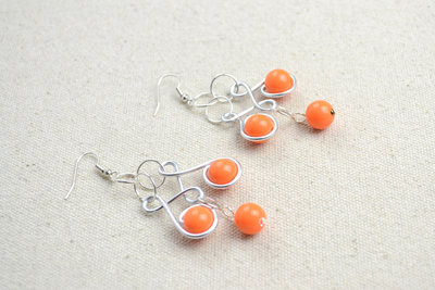 How to make a pair of chandelier earrings. Craft Jewelry Ideas Pair Of Dainty Wire Wrapped Earrings  - Step 5