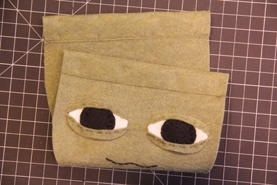 How to make a novetly bag. Yoda Bag - Step 3