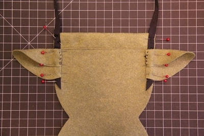 How to make a novetly bag. Yoda Bag - Step 4