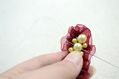 How to make a pearl bracelet. Make Cool Bracelets Out Of Pearl Beads And Organza Ribbon - Step 5