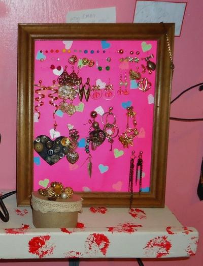 How to make an earring hanger. Cardstock Picture Frame Earring Holder - Step 2