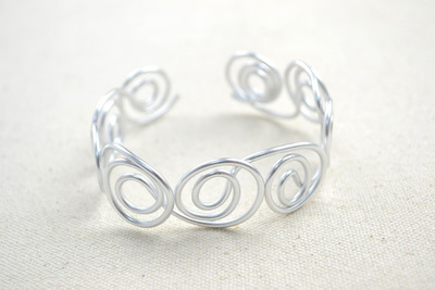 How to make a wire bracelet. Wire Bracelet Designs How To Diy Bangle Bracelets In Super Cool Pattern  - Step 3