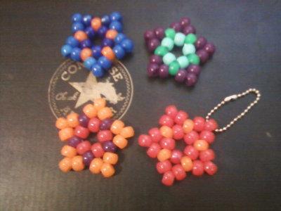 How to bead a beaded shape. Kandi Stars - Step 6