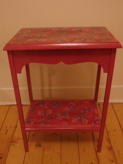 How to make a table. Decoupage Side Table - Step 3