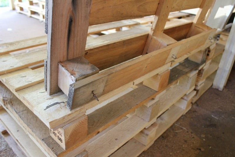Diy Pallet Furniture 183 How To Make A Bench 183 Home Diy On