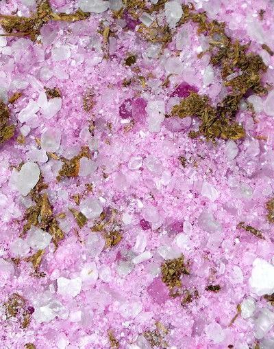 How to make a bath salt. Making Handmade Bath Salts - Step 3