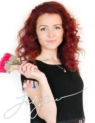 Lily Oleynik